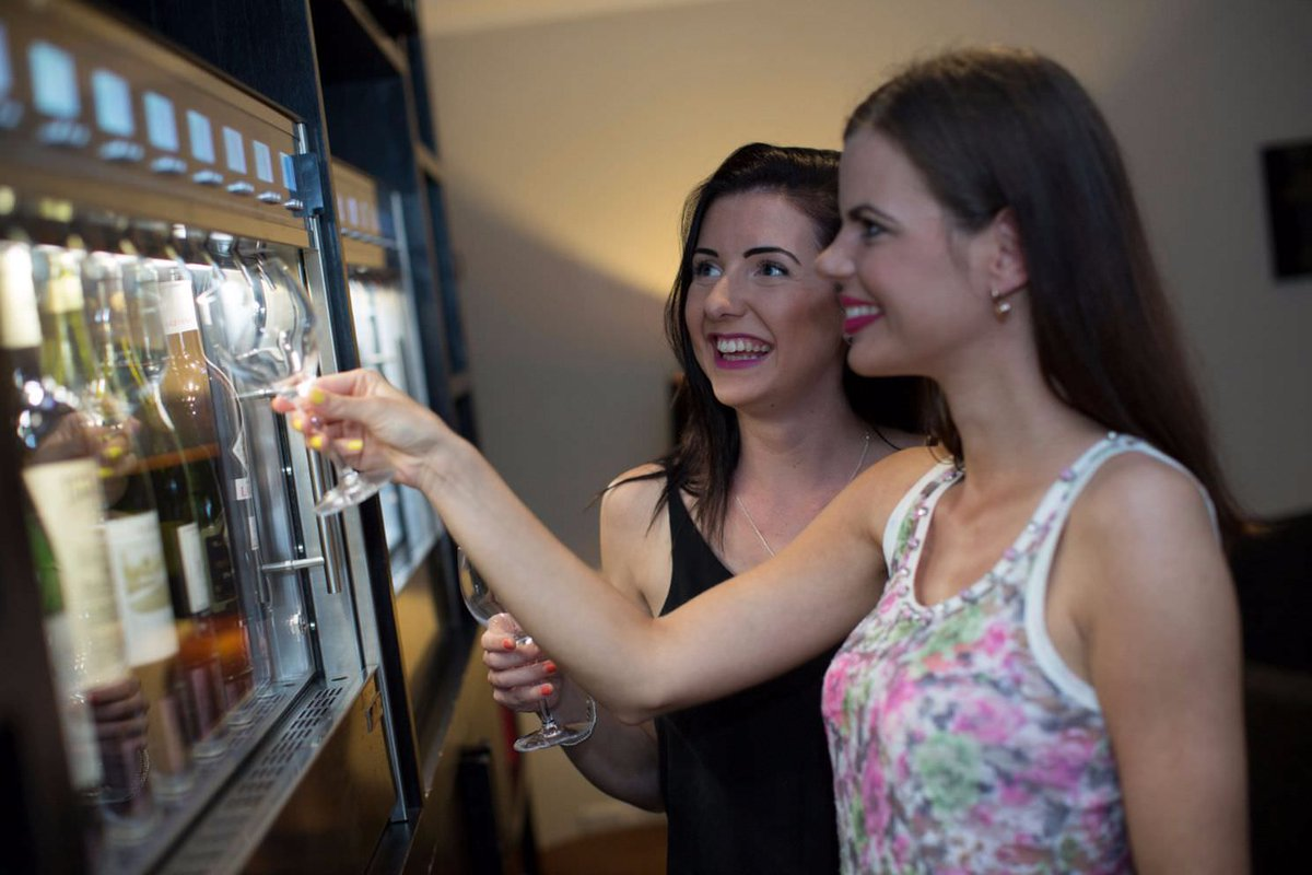 Dispensador de vino automatizado