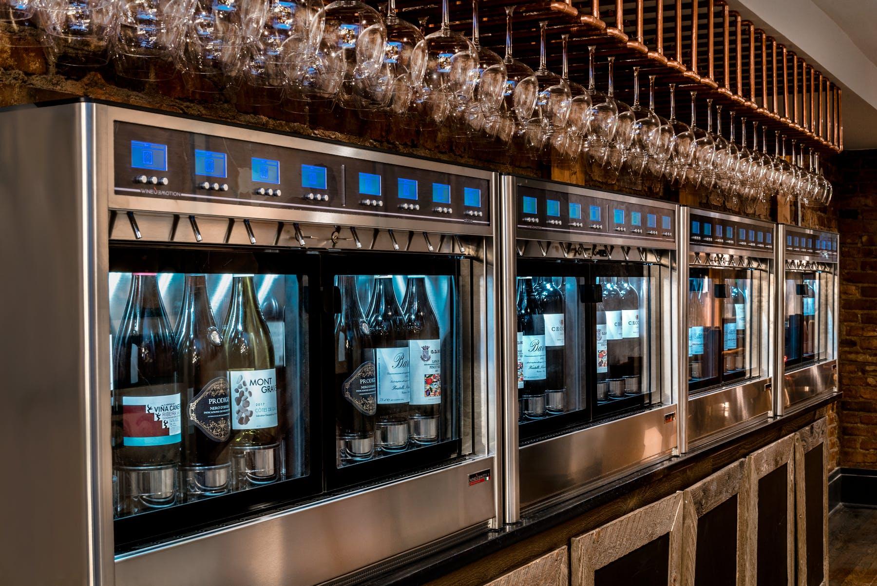 Dispensador de vino con diseño elegante